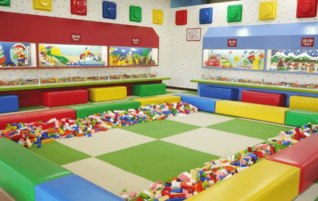 東条湖おもちゃ王国のダイヤブロックハウス
